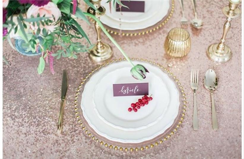 gold-wedding-table-setting