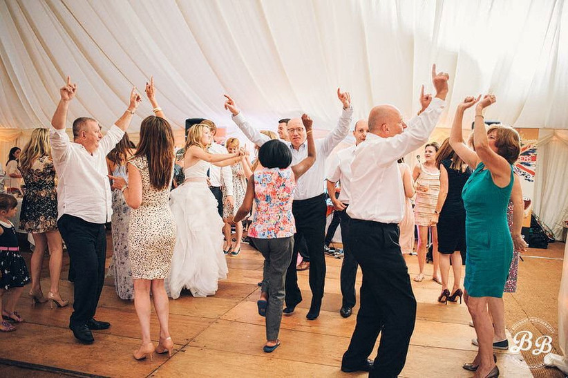 10-tips-for-getting-the-most-out-of-your-wedding-entertainment-9