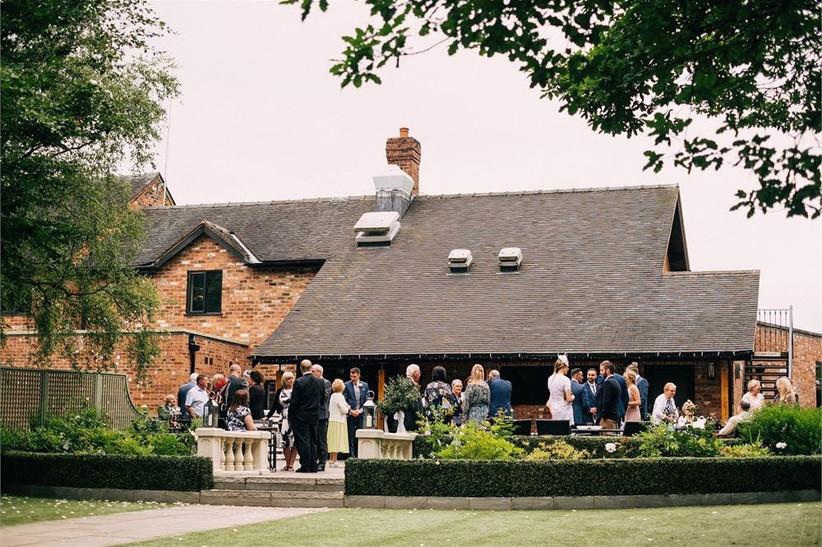 outdoor-wedding-venues-35
