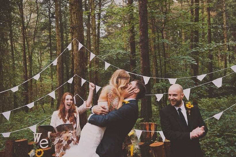 couple-at-alternative-wedding-venue-camp-katur