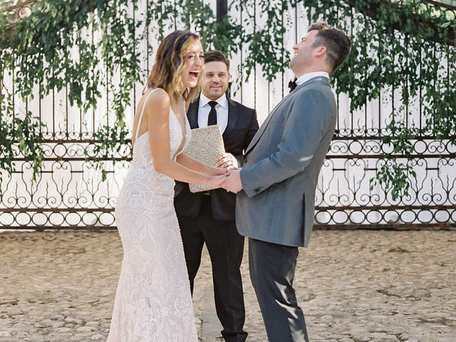 Funny Wedding Vows: 43 Ideas That'll Make Your Guests Giggle