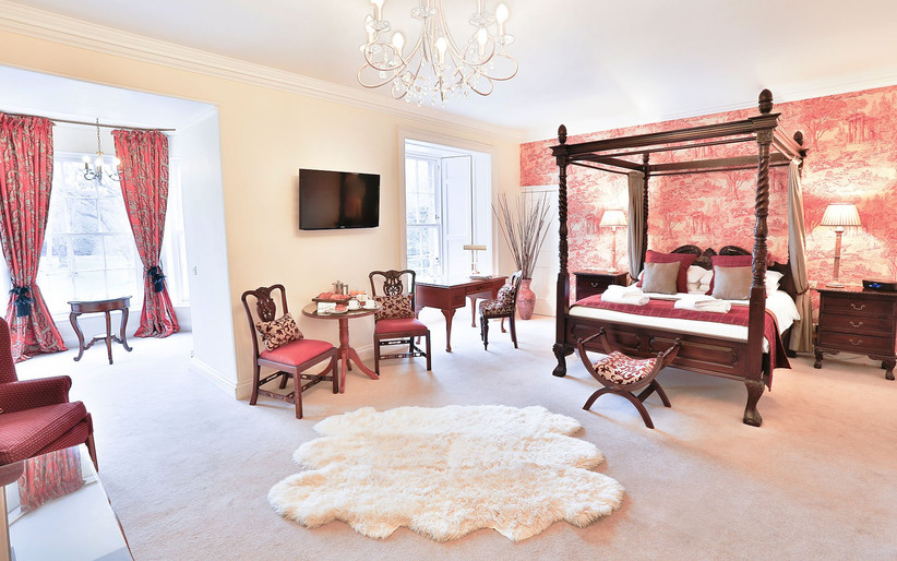 Grande suite at Carberry Tower