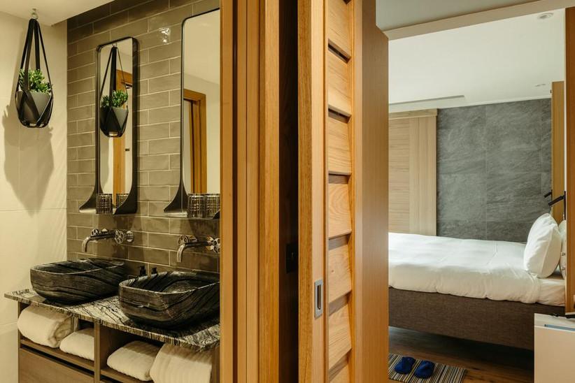 Bathroom at Market Suite Hotel