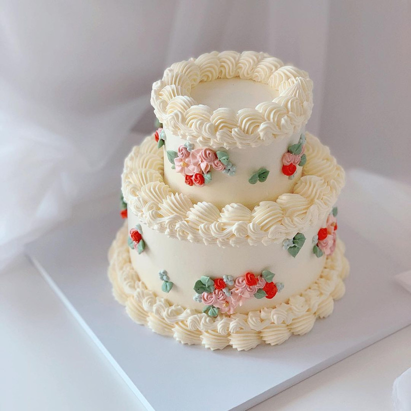 Small wedding cake for a minimony