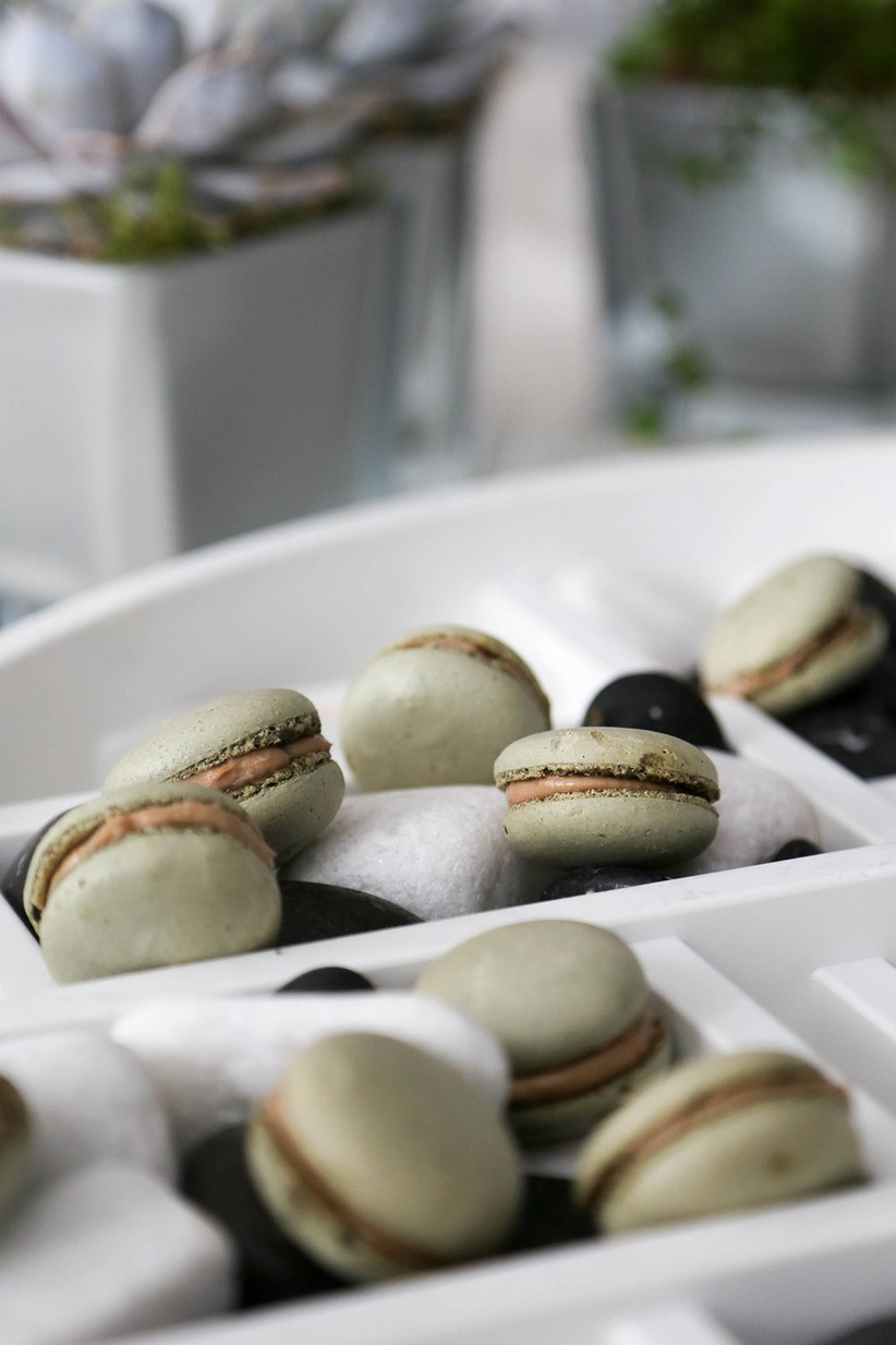 macaroon-canapes