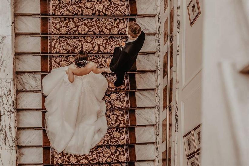 jessy-papasavva-bride-stairs