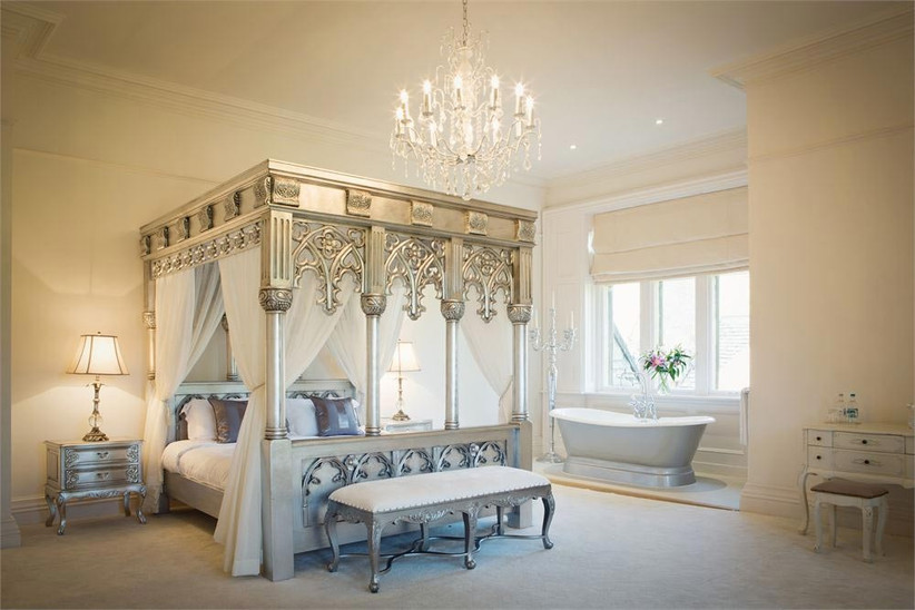 silver-themed-bridal-suite-at-the-manor-by-the-lake