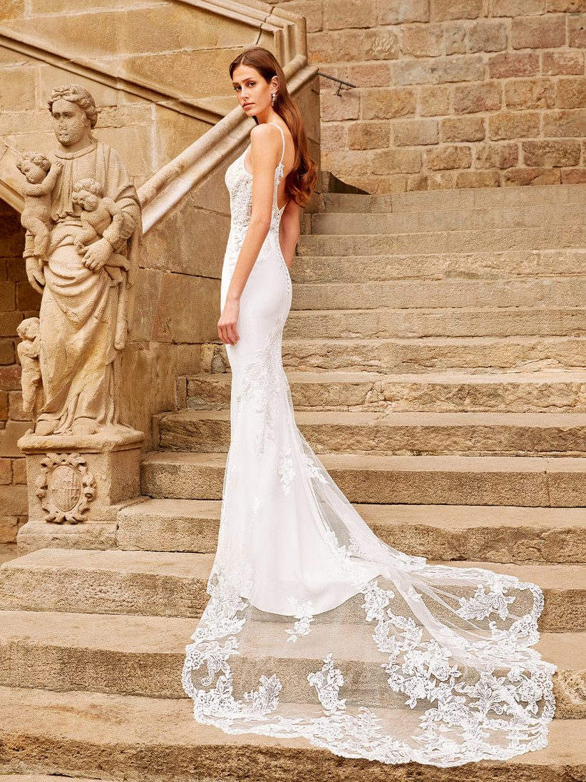 Etoile Paris wedding dress from the side