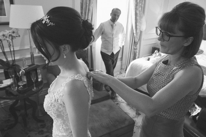 mother-of-the-bride-helping-the-bride-get-ready-2