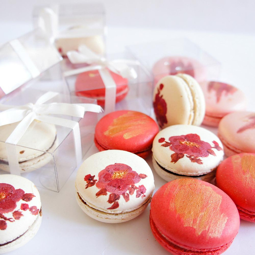 individually-boxed-macaron-wedding-favours