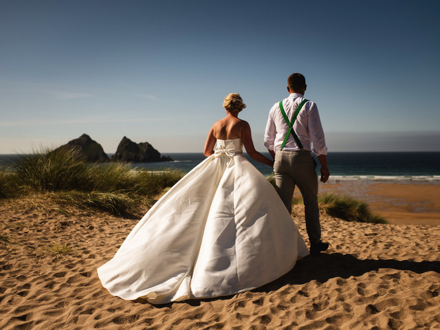 Real Covid Wedding: Roisin and Adam, Treseren in Cornwall