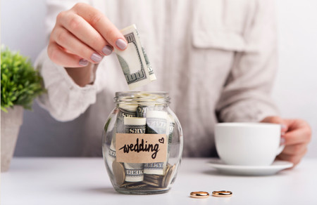 How to Make a Wedding Budget: 7 Easy Steps to Staying on Track