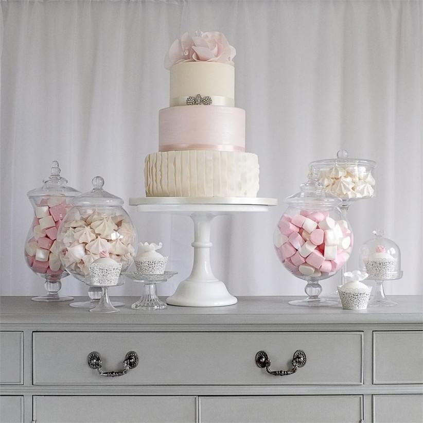 pink-pastel-wedding-cake