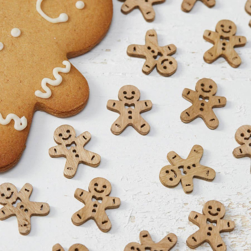 wooden-gingerbread-shaped-table-confetti