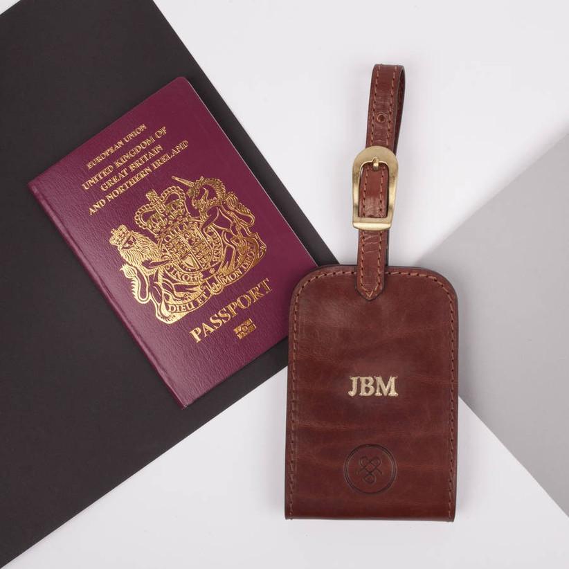 original_personalised-leather-groomsman-s-luggage-tag