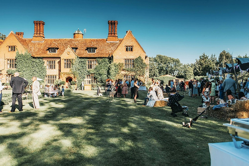 outdoor-wedding-venues-17