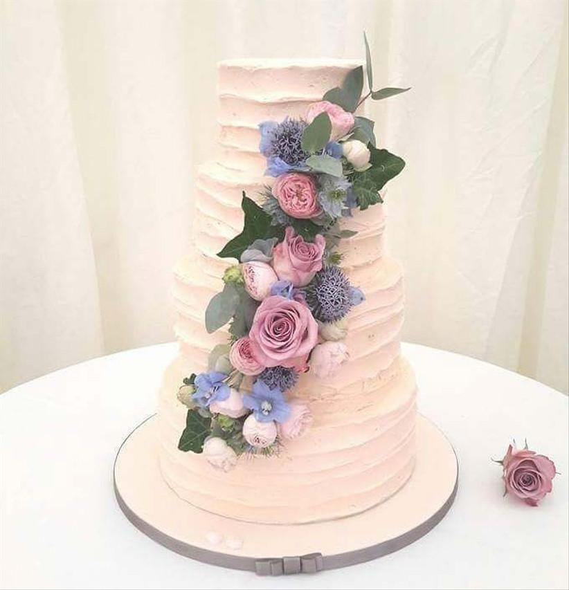 statement-wedding-cake