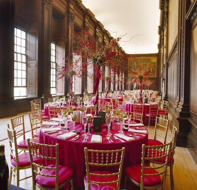 glamorous-wedding-decor-at-hampton-court-palace