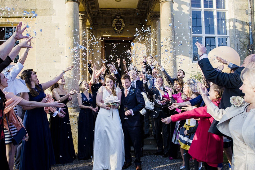 use-biodegradable-confetti-18-rules-all-wedding-guests-need-to-follow