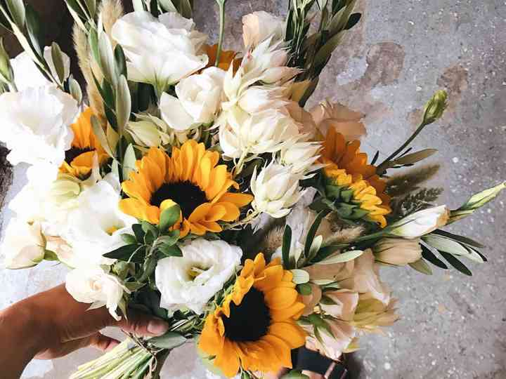 Wedding Flowers Ideas Real Bouquets Suppliers And Advice Hitched Co Uk