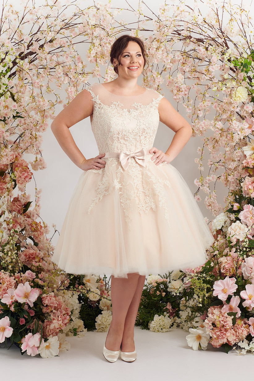 The 18 Best Plus Size Wedding Dresses 18   hitched.co.uk
