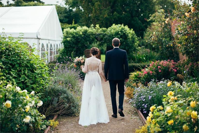 outdoor-wedding-venues-26
