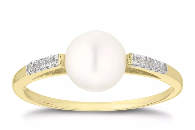 Pearl ring gift