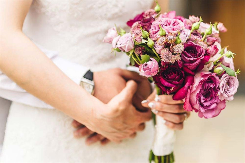 a-bouquet-of-pink-summer-wedding-flowers-arranged-by-louise-avery-flowers