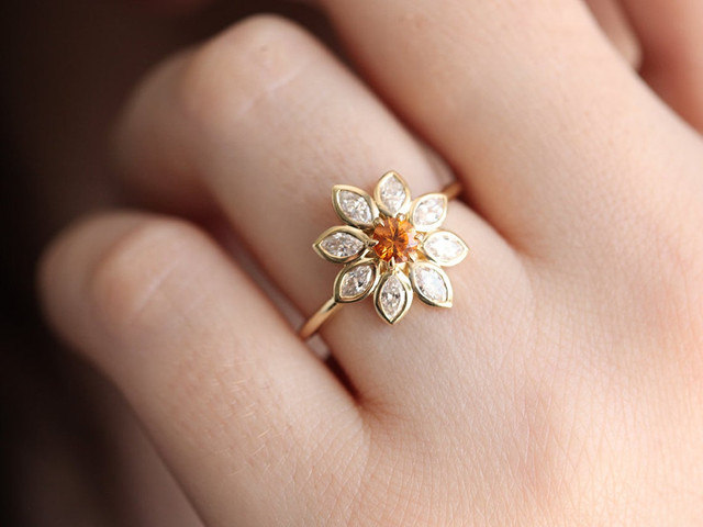 25 Swoon-Worthy Flower Engagement Rings