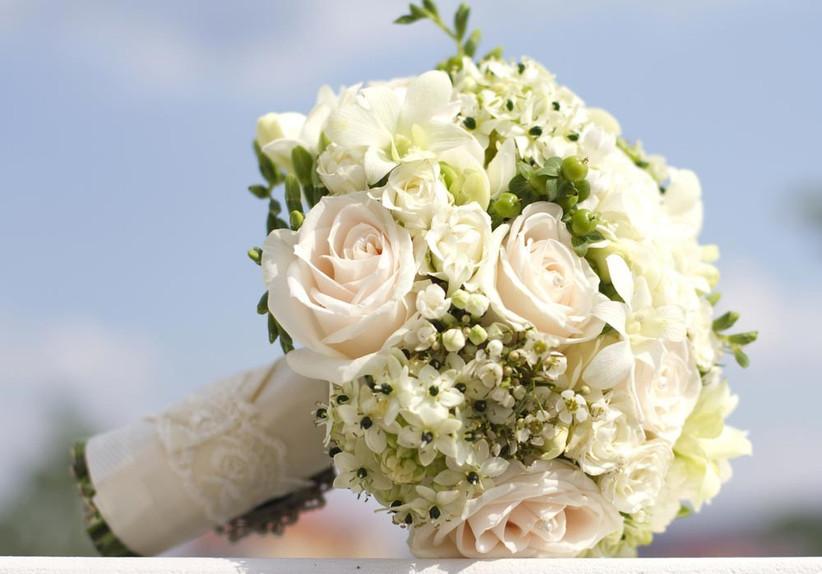 wedding-bouquet-with-arabian-starflower