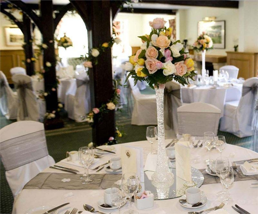 kingswood-golf-and-country-club-is-an-elegant-sporting-wedding-venue-in-surrey