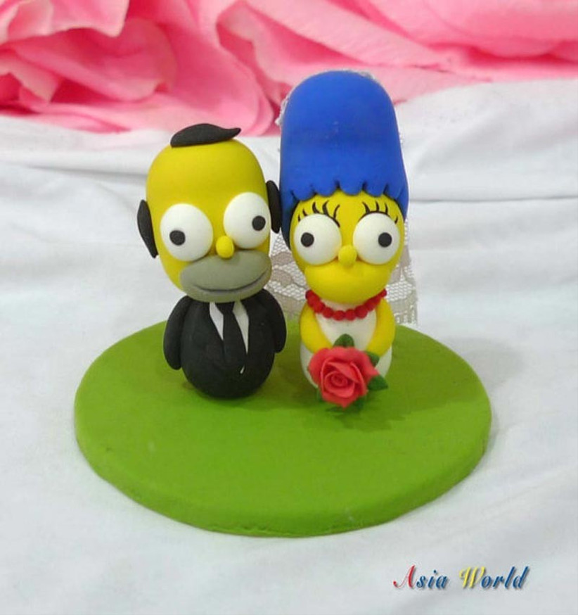 awesome-wedding-cake-toppers-for-tv-and-film-buffs-the-simpsons-cake-topper