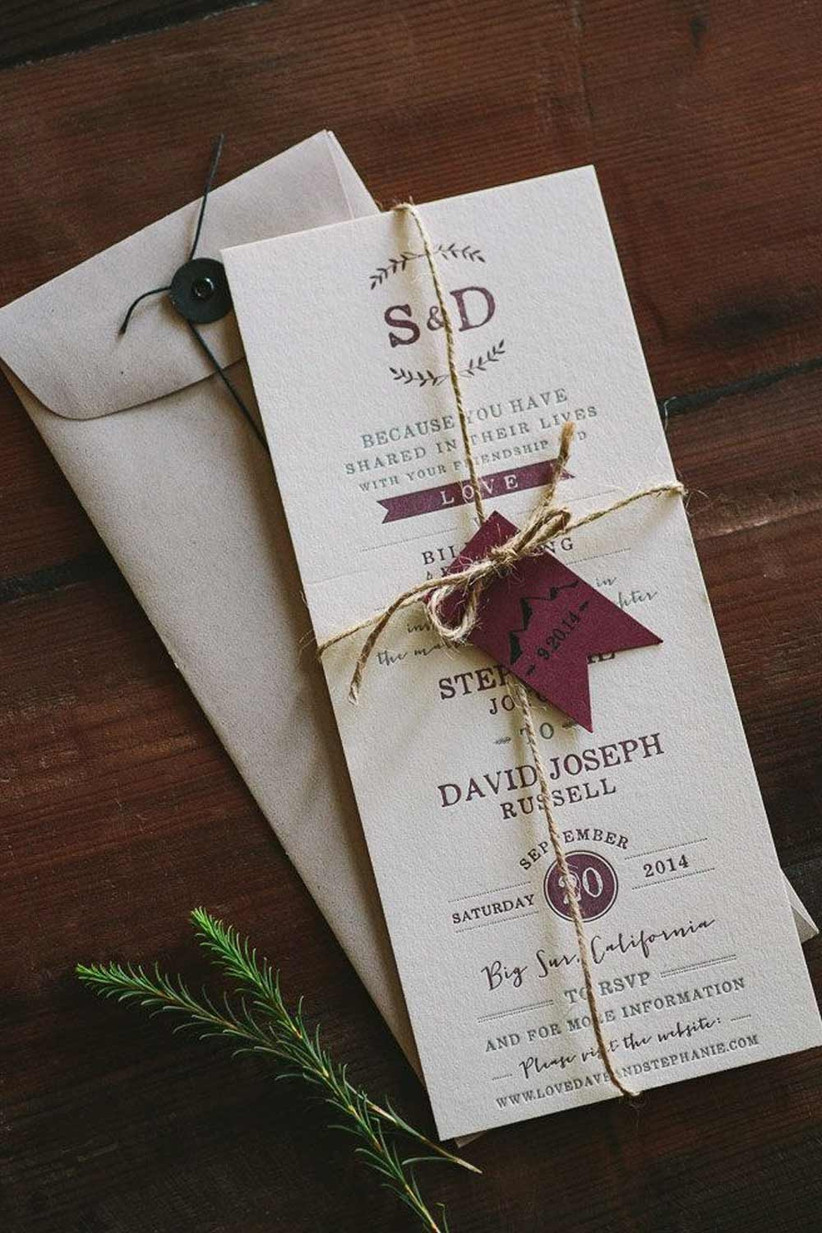 wedding tag rond shape wedding stationery personalized with names and wedding date flower cottage style Wedding stamp custom stamp
