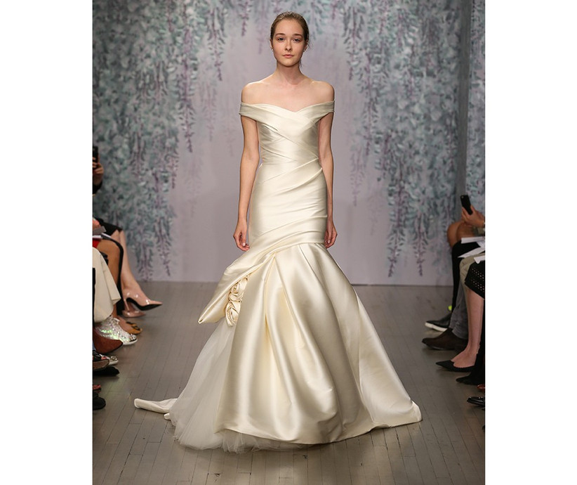 tulle-and-stain-wedding-dress