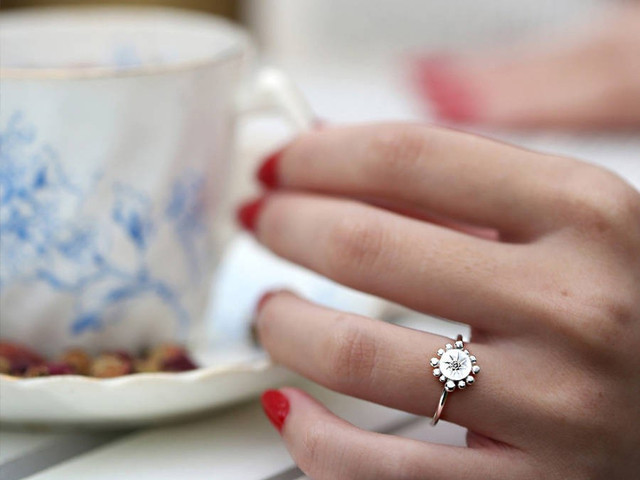 Temporary Engagement Rings: 30 of the Best Placeholder Proposal Rings Starting from Just £15