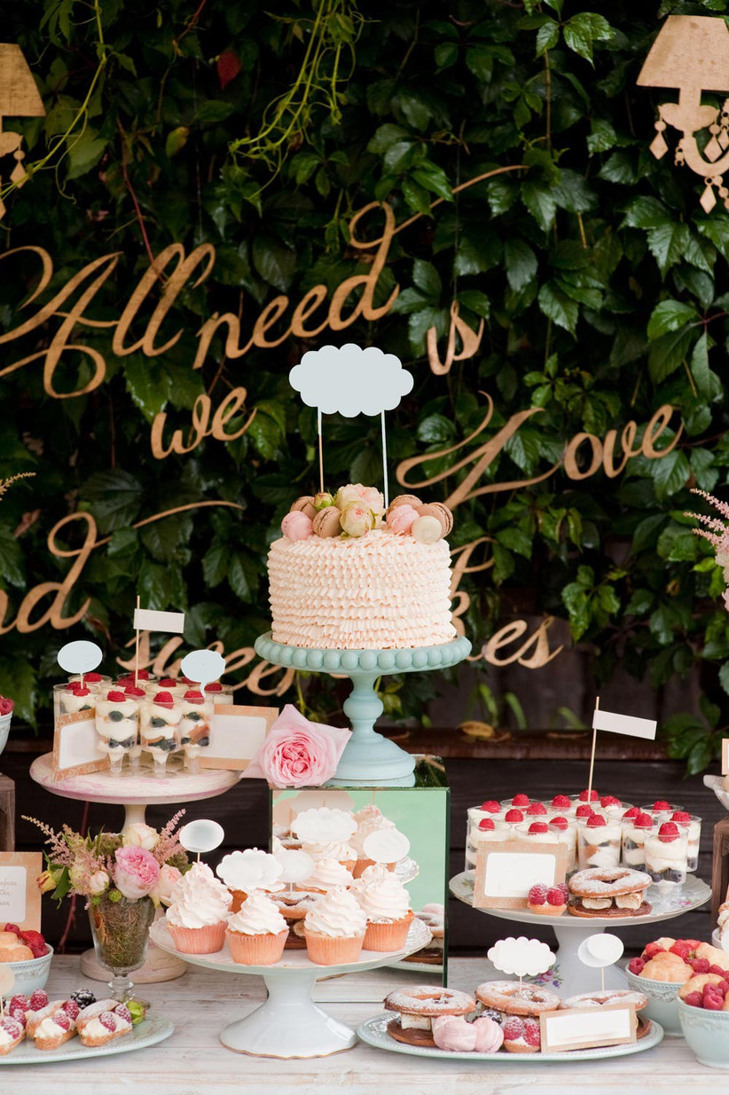 wedding-cake-display