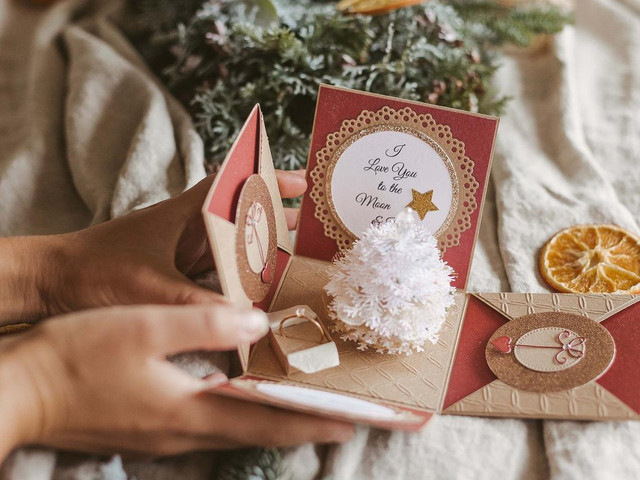 35 of the Most Romantic Christmas Proposal Ideas