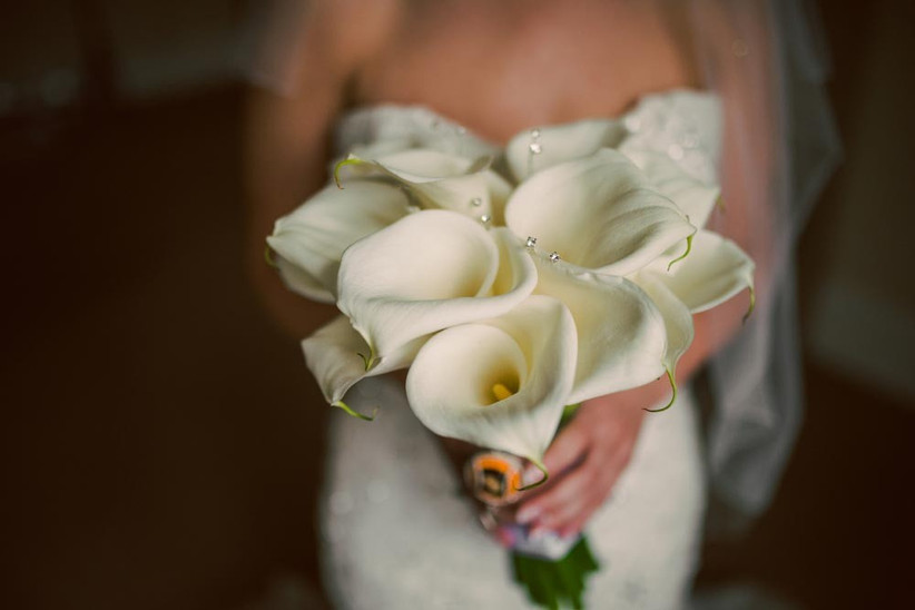 wedding-bouquet-made-from-calla-lilies