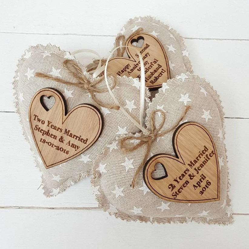 2nd Wedding Anniversary Gift Guide Cotton Gift Ideas Hitched Co Uk
