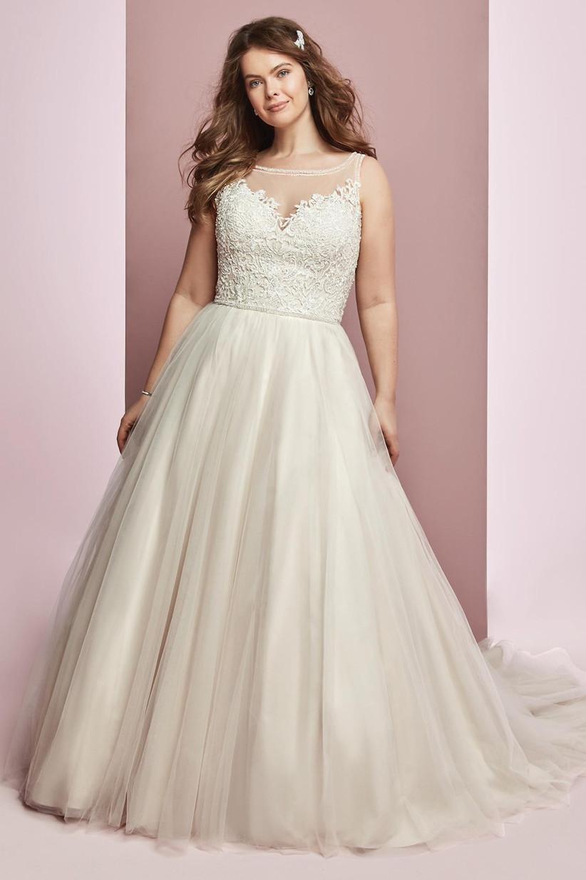 plus-size-wedding-dresses-4