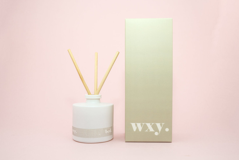 Wxy bed diffuser