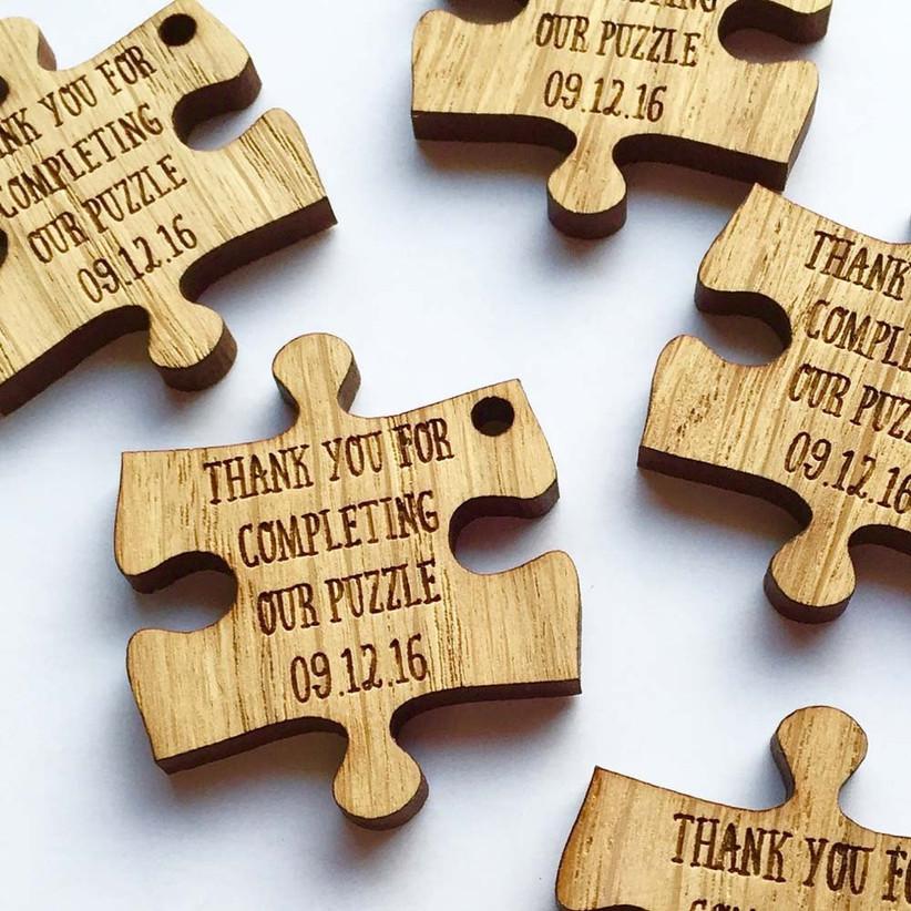 puzzle-piece-wedding-favours