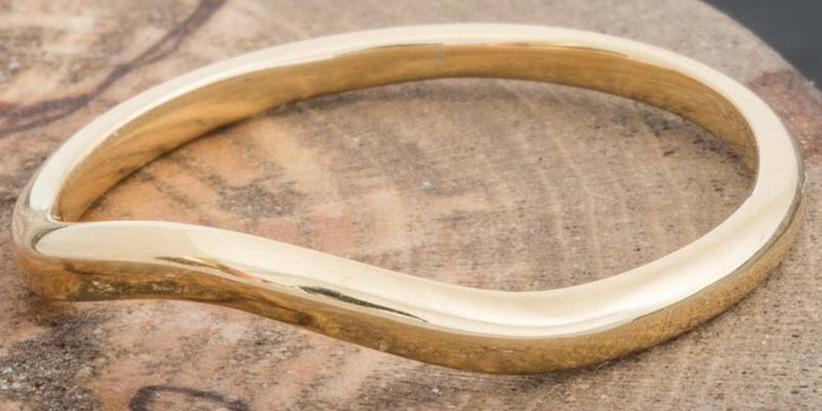gold-curved-ring