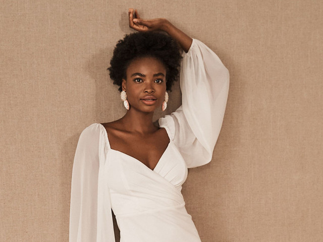 25 Chic Engagement Party Dresses & Outfits for 2021