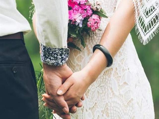 Budget Friendly Wedding Ideas: 37 Ways to Cut Costs
