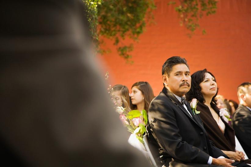 worst-wedding-guest-behaviour-4