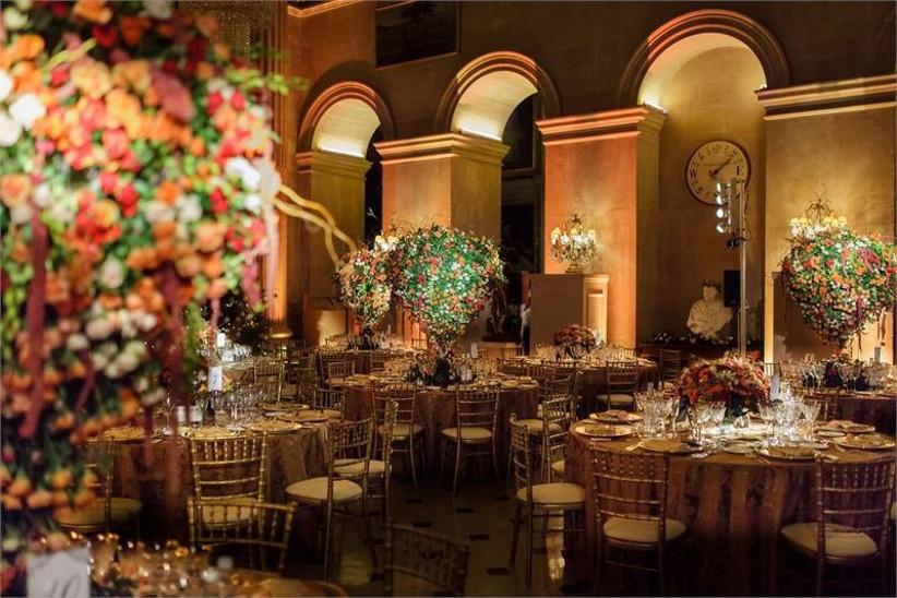 glamorous-wedding-decor-at-blenheim-palace