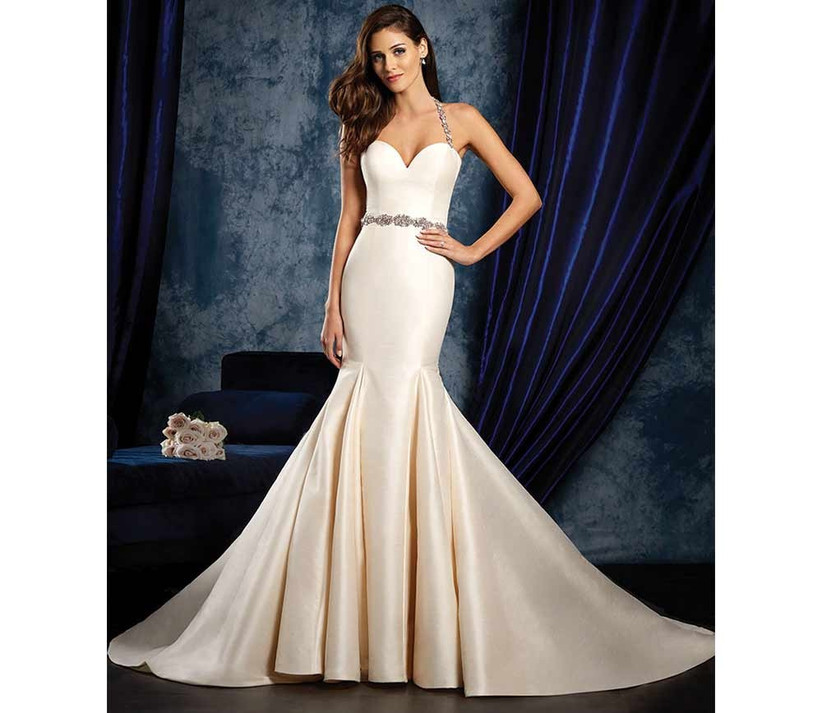 warm-coloured-ivory-fishtail-wedding-dress-by-alfred-angelo