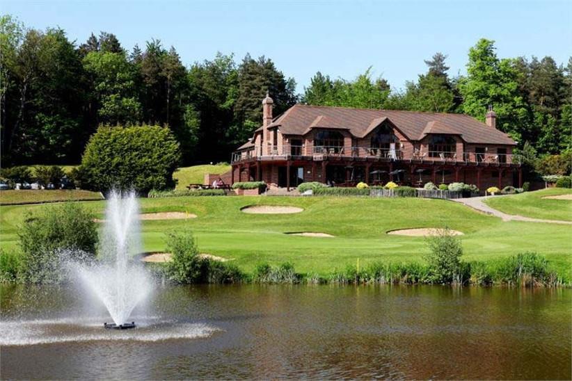 westerham-golf-club-is-a-popular-sporting-wedding-venue-in-kent