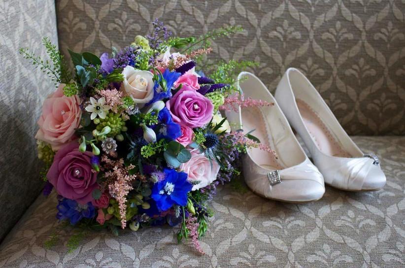 september-wedding-flower-astilbe-in-a-bouquet